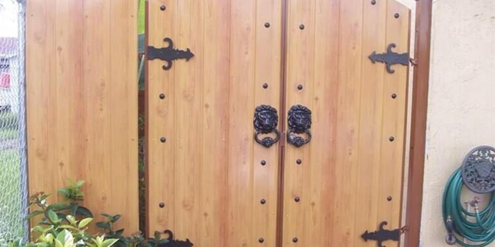 沃丰松木木纹彩涂钢板-门